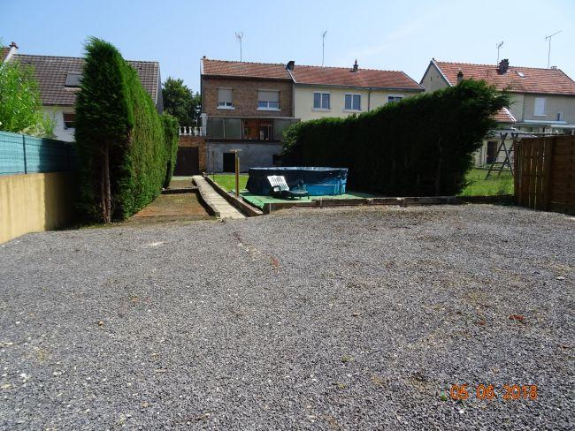 Maison avec garage et jardin secteur Bois Fortant