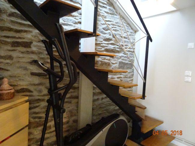 Charmante maison de pierre rénovée avec garage et jardin secteur Waridon