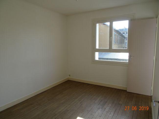Appartement centre de Mézières 1 er étage en petite copro