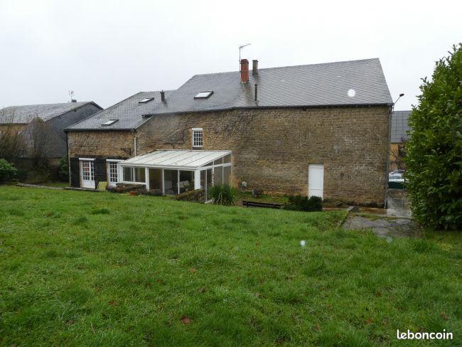 Maison de pierre de 292 m2 SH de 8 cH sur 3300 m2 de Terrain à St Marcel