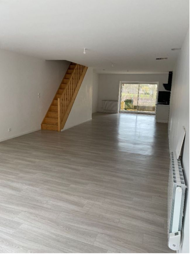 Duplex T3 de 100m² avec terrasse à BOULZICOURT