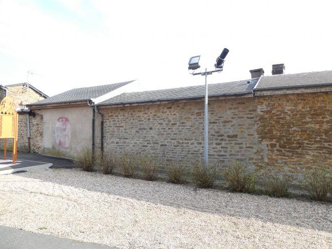 Maison ou local bureau en pierre de 42 m2 SH   à Renwez