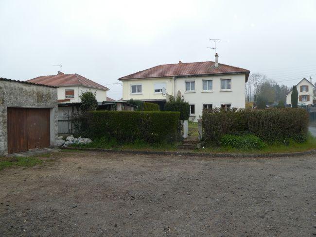 Maison de 84 M2 SH sur 300 M2 de terrain avec garage à FLOING