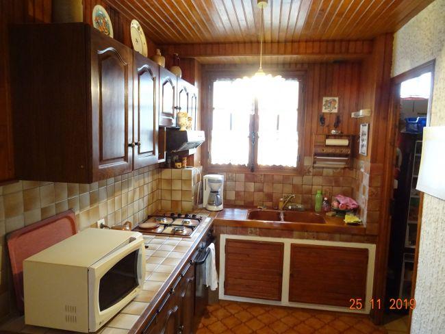 Appartement au 1 er étage 2 CH et garage