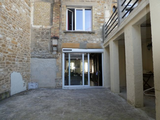 APPARTEMENT DE 29 M2 SITUE PLACE DE MEZIERES