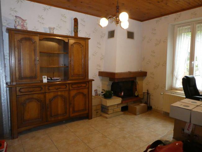 Maison de pierre rénovée entièrement de 145 m2 SH à SURY