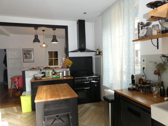 Appartement avec balcon et garage à 1 mn à pied de la Gare