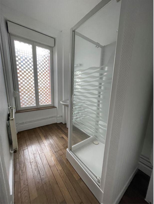 APPARTEMENT DE 56 m2 SH (LOUÉ actuellement 400 € / MOIS) AU 2 ème étage AVEC GARAGE ET CAVE