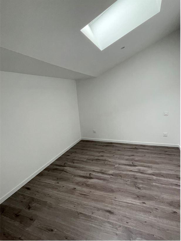 Appartement de 35 m2 SH  avec balcon en résidence sécurisée proche du centre